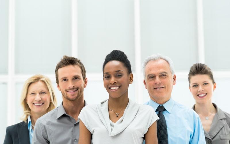 Cinco empreendedores, três mulheres e dois homens